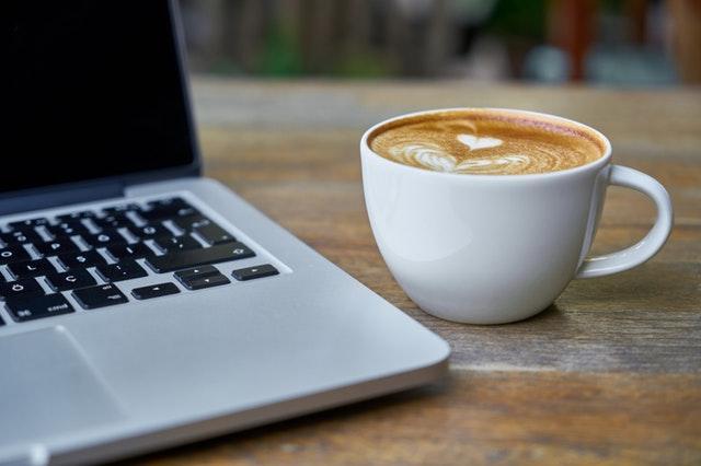 Musik och spel till kaffet